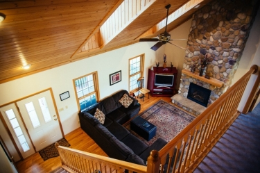 Looking at Galena Vacation rental's living room from the second floor