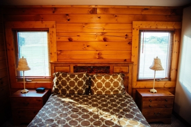 Zen Luxury Cabin's king size bed