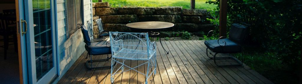 Galena-Rentals-patio